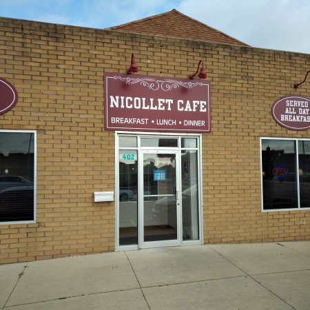 Review: Breakfast at Nicollet Cafe